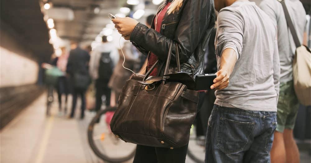 https://www.easyemergencyplan.com/wp-content/uploads/2021/07/Pick-Pocket-Subway-Travel-Essential-Security-01-1000x525.jpg